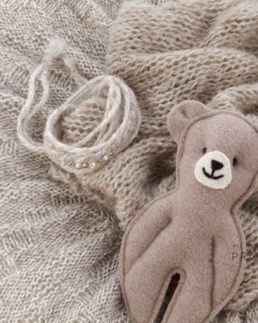 baby-photography-prop-set-newborn-poser-swaddle-tieback-teddy-europe